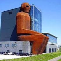 Nieuwbouw van een museum over het menselijk lichaam met bijbehorende parkeergarage en congrescentrum te Oegstgeest. Werkzaamheden: bouwkundig tekenwerk en projectleiding.
