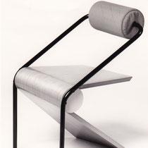 Stoel met gelamineerde frame/stalen onderstel/gestoffeerde rugrol
