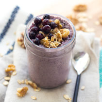 Blueberry-walnut overnight oats