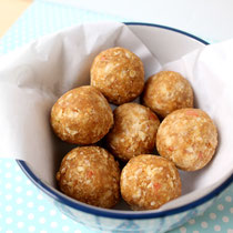 Easy apple and peanut butter snack bites
