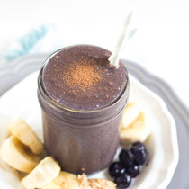 chocolate-blueberry smoothie with almond butter