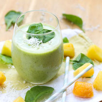 green coconut pineapple smoothie recipe