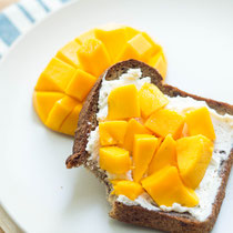 Easy mango toast and healthy snacking tips