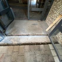 Reparatur der Eingangstüren