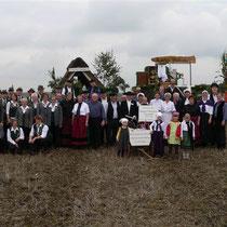 Die Teilnehmer am Festumzug aus Iselersheim und umzu