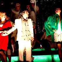 Konstantin Nazlamov (Nikolai Prskawetz), Rebekka Maeder( Angèle Didier), Marysol Schalit (Julie Wermont)