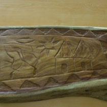 Un plat sculpté par Gwenaël en Afrique (verso)