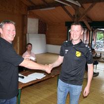Auszeichnung I: Andreas Beran (rechts) ist seit 25 Jahren BSV-Mitglied
