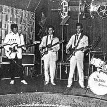 Samen met gitarist Franky Luyten begonnen de Tielmans  hun goedbetaalde maandcontracten in de Ringstube in Mannheim. De familie Fluhrmann was de eigenaar van dit danslokaal en de Ringstube werd door de bands en het publiek steeds de Spoetnik genoemd