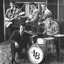 THE LONELY BOYS - Oud-Beijerland  Jaap Lips, Harrie Leeuwestein,  Ronald de Vries, Rens Hoogvliet, Wim Bos (hurkend)