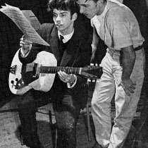 "Paul Gimbel werkte begin jaren 60 veel met René Nodelijk (van The Alligators),en in 1959 speelde René de gitaarpartij op Paul's single ""Sugerbowl Rock""   René neemt met Paul Gimbel de song ""Sugar Bowl Rock ""door in de studio eind 1959"
