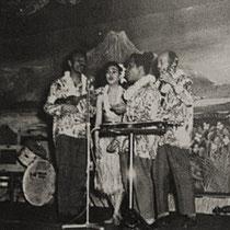 Rudi had als zangeres Ilse (toen nog hollart)  in zijn band