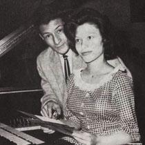 Lydia en Charles namen ook samen de Nederlandse versies op van 'Tell Laura I love her, en Tell Tommy I miss hem'