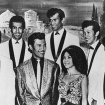 In 1962 ging ook Jane Tielman steeds meer met de band op tournee. Dat jaar kregen ze ook een platencontract in Duitsland voor de firma Ariola. Op de A-kant van hun 1e single kwam Tahiti Jungle (een bewerking van Hawaiian War Chant van The Ventures)