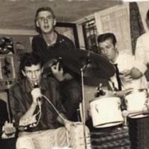 GARRRY AND THE BANDITS - Arnhem  Dick van de Akker- zang Frits Verschuur- gitaar Theo Lukkel- gitaar en zang Herman van Haaften- Bas en zang Willem van Groningen-drums