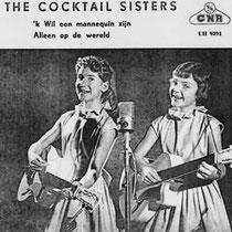 THE COCKTAIL SISTERS  Jenny en Joke zongen hun liedjes ook met een Famos