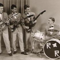 De Egmond gitaren van The Real Rollers worden vervangen door Höfner Solidbody's (model 163). Omdat de financiële middelen voor een echte basgitaar nog ontbraken werd een akoustische Höfner jazzgitaar (model 4550) voorzien van 4 dikke bassnaren.