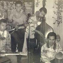 THE BLUE GARDENIAS - Nijmegen  vlnr: Max Tahalele (hawaiian gitaar), ?, Jimmy Riupassa, Boy Tahalele, Michel Riupassa