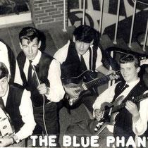 THE BLUE PHANTOMS - Den Helder  Ralph de Boer - Sologitaar Frans van Anraat - Slaggitaar Adrie Pieterse - Vocals Jack Bruinsma - Basgitaar