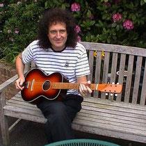 Ook Brian May begon met een Egmond Toledo