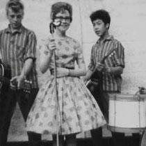 Evenals een zangeres in petticoat, voor de Wanda Jackson en Brenda Lee nummers !