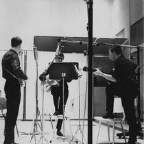 Mudfield  tijdens de opname van de eerste single in de Bovema-studio in Heemstede. 'Molly Dee' en 'Donna Donna'