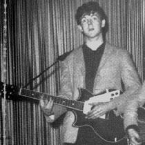 Harrisons compaan Paul McCartney kan meepraten van de kwaliteit van Egmonds gitaarlak.   Ook McCartney speelde in de beginjaren van de Beatles op een instrument uit Best.   De eerste elektrische gitaar van Paul was namelijk een Rosetti Lucky 7.