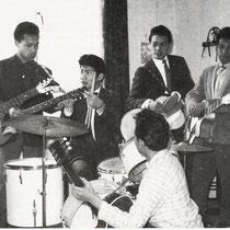 TROPIC ROLLERS - Den Helder  Bandleden  Fred Durand -  Roy Durant -  Herman Lewakabessy -  Johannes Wattimena -  Larry Hartsteen -  -  Mozes Workala -