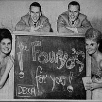 De carrière van The Fouryo's was in1957 begonnen bij Decca/Phonogram,  daar brachten ze het nummer 'Bye Bye Love' uit. J. Pliet schreef voor het viertal een Nederlandse versie van deze hit van de Everly Brothers