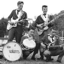 THE VALIANTS - Alblasserdam  v.l.n.r.  Gitaar: Gijs Pouderoyen. Drums: Chris Maat. Gitaar: Kris Buizert. Basgitaar: Cees Buizert.
