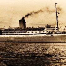 In 1957 stapte hij met zijn familie op de boot.