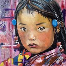 Petite Tibétaine, huile, acrylique et collages sur toile, 65x50 cm, portrait de voyage réalisé par Natpalette (à retrouver dans la BOUTIQUE)