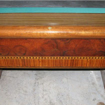 Modello Mantovani 260 con buche in legno e formica - Particolare laterale