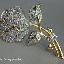 """11.  Дизайнерская брошь""""Crystal Rose"""" от американского ювелира NOLAN MILLER. Ювелирный сплав с позолотой, сверкающие фианиты длина 9см. Клеймо дизайнера, подарочная упаковка. Цена -60$"""