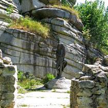© Traudi – Ruine Weißenstein  -   hier gehts zur Bronzefigur Mutter Erde