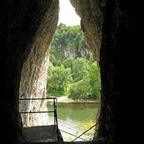 © Traudi – Geisterhöhle in Rechtenstein, Ausblick zur Donau