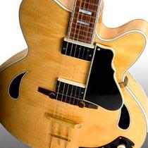"""Bruce gebruikte in 1958 - 1959 een """"Grimshaw SS Deluxe"""""""
