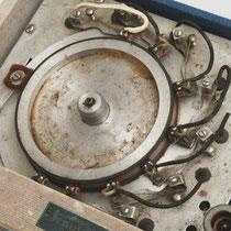 De Echomatic 1 heeft een wiel (ook wel drum genoemd) die van een magnetische laag is voozien en langs de koppen draait, door de snelheid van van het wiel te varieren en diverse koppen in of uit te schakelen, kunnen verschillende echo settings geproduceerd