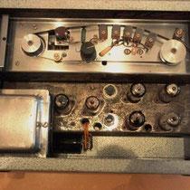 """De Meazzi PA316 is is net als de """"Long Tom"""" een  tape-echo machine waarbij net als bij een taperecorder, een (eindeloze) tape langs de koppen loopt"""