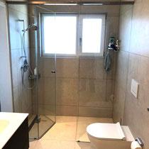 Badezimmer geplättelt