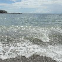 次の日には、今年、初めて、海に浸かりましたぁ!