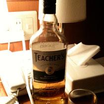 島崎さんにウィスキーを頂きましたぁ。