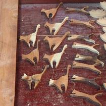 ブローチ(ツバメの子)製作中~糸鋸盤切り~
