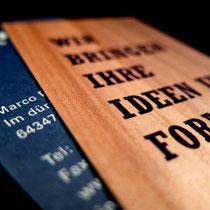 lagenverklebte Visitenkarte -Holz und Papier-