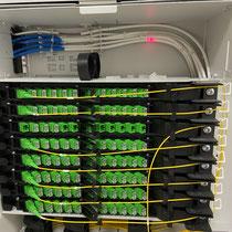 Détection coupure de la fibre optique - lumière rouge indique point de cassure - Localisateur visuel de défauts optiques
