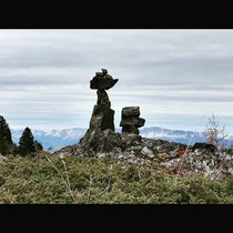 Cairn de KERNH grenoblois. Chartreuse. Merci à Véro et Sylvain