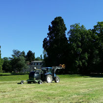 L'enrubaneuse de la ferme Bio du Masbareau chambres et table d'hôtes de charme en Limousin Haute-Vienne-Nouvelle-Aquitaine