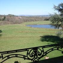 Superbe vue de la chambre de la suite de Tante Madeleine au Masbareau à Royéres proximité Limoges Limousin