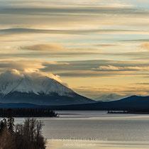 Atlin lake y Mt. Minto
