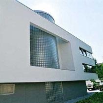 Treppenhaus-Verglasung, Wohnhaus, Köln-Rodenkirchen; Dekor: Gekreuzt-Gewellt Eng